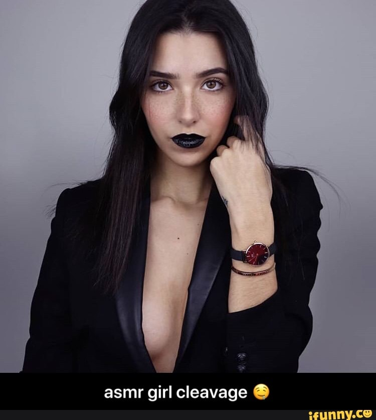 Cleavage Asmr